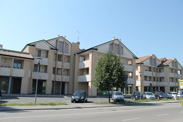 Complesso residenziale - commerciale